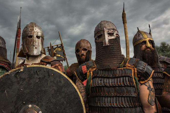 02_vikings_fighting