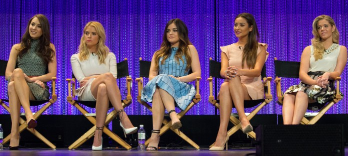 Cast_of_Pretty_Little_Liars_at_Paley_Fest2014
