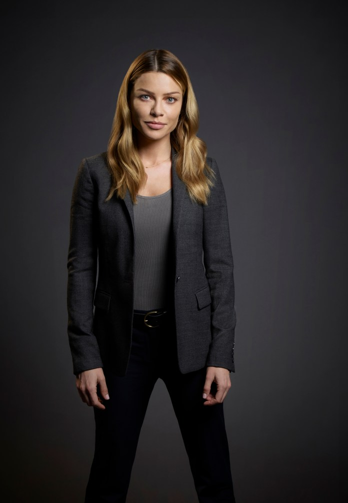 LUCIFER: Pictured: Lauren German as Detective Chloe Dancer. ©2015 Fox Broadcasting Co. CR: Smallz and Raskind/FOX