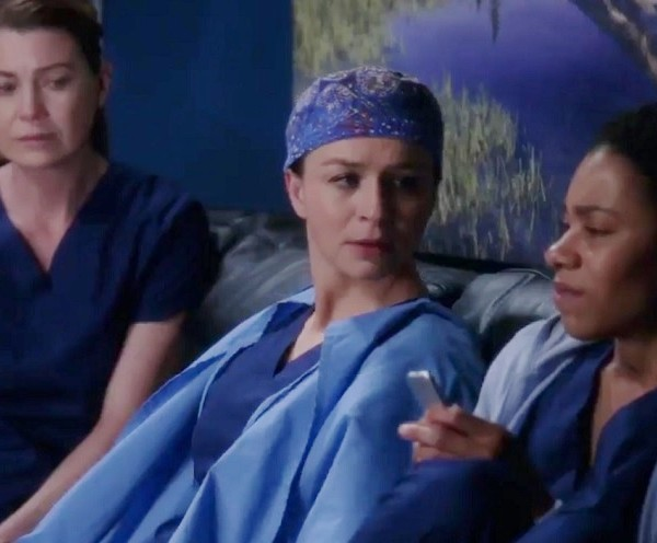 greys-anatomy-3492384-600x496