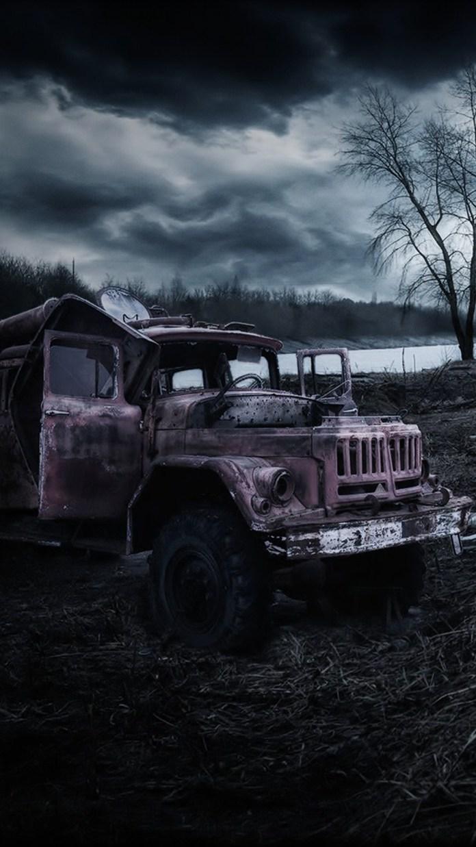 destoyed-truck-8884
