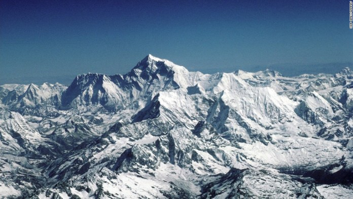 140419192136-16-everest-exploration---1996---restricted-horizontal-large-gallery