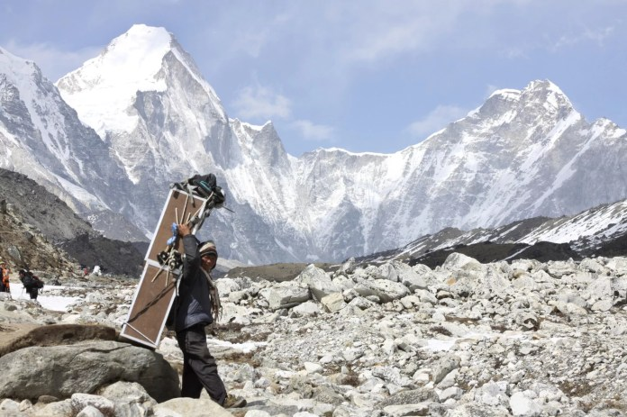 Nepal_Everest_32998-5ce07