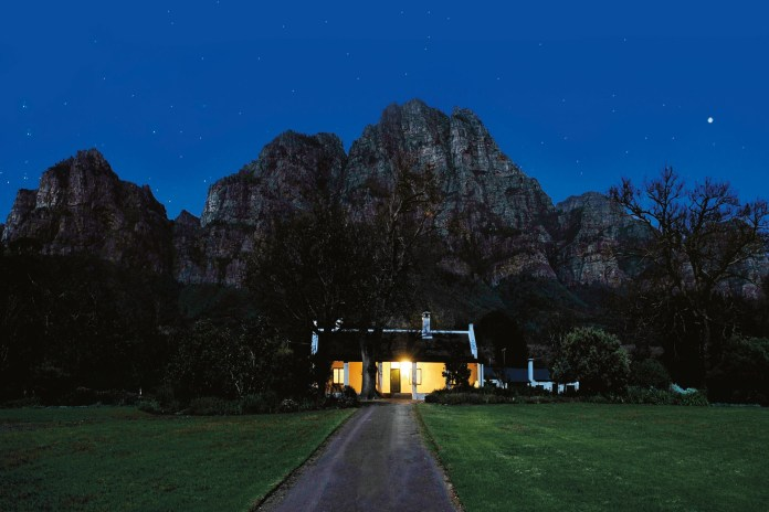 rhodea-cottage-boschendal-vineyard-south-africa-conde-nast-traveller-10dec14-eddie-wilson