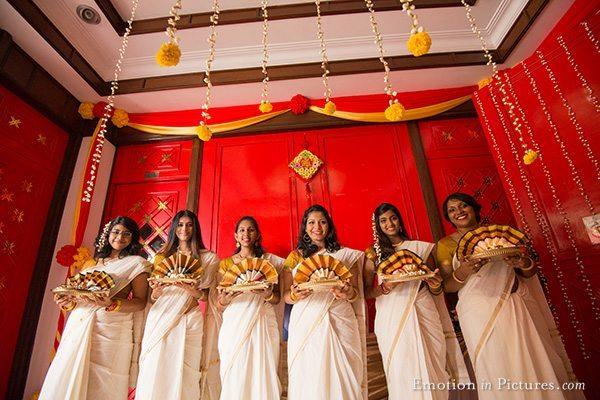 malayalee-wedding-malaysia-thalam-girls-kerala-saree