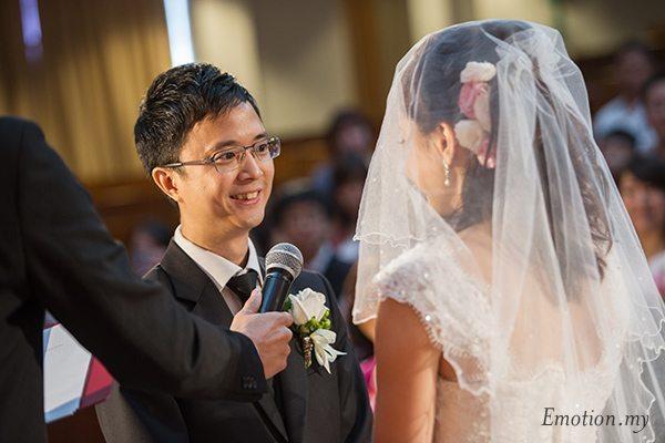 christian-wedding-exchange-vows-malaysia