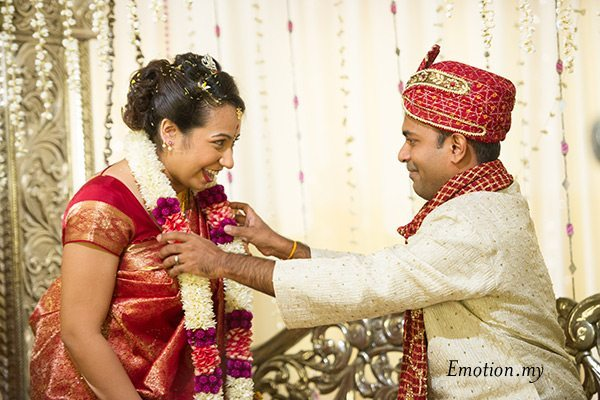 bride-groom-garland-indian-hindu-ceylonese-wedding-ceremony-malaysia