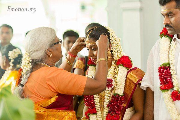 indian-hindu-wedding-malaysia-bride-mother-in-law