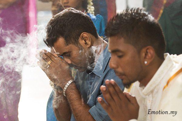 indian-hindu-wedding-malaysia-prayers