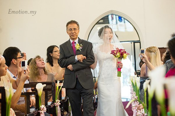 st-andrew-church-wedding-bride-father-emotion-in-pictures-andy-lim