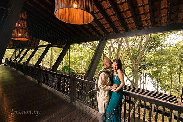 wedding-portrait-lake-kuala-lumpur-malaysia-indian-saree