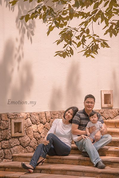 mini-portrait-sessions-outdoor-family-portraits