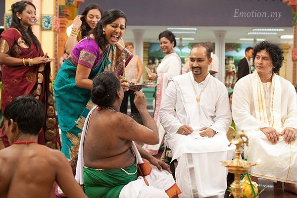 hindu-wedding-mahamariamman-temple-tun-hs-lee-emotion