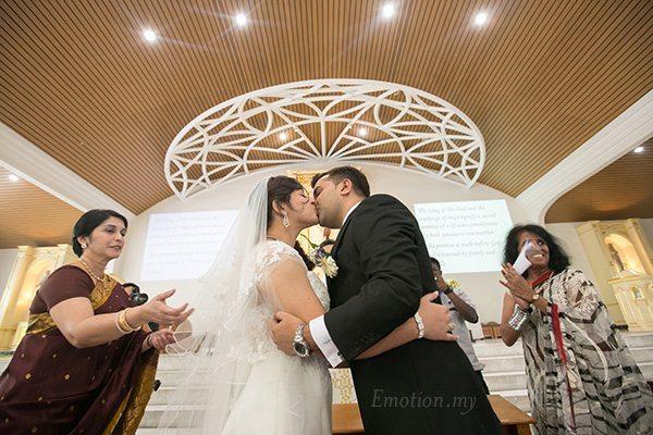 kiss-church-wedding-st-francis-xavier-church-kuala-lumpur