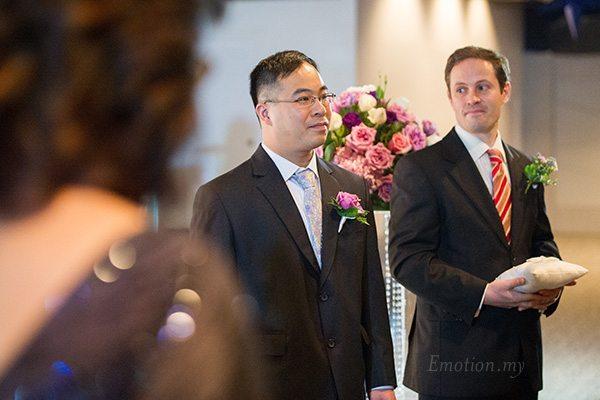 kuala-lumpur-wedding-bestman-looking-at-groom