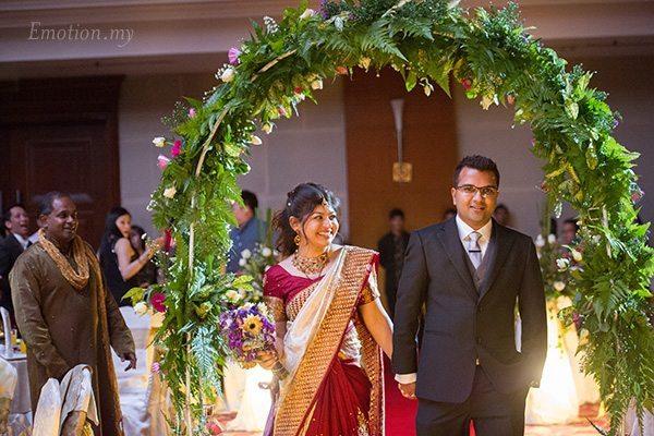 malaysia-wedding-reception-march-in
