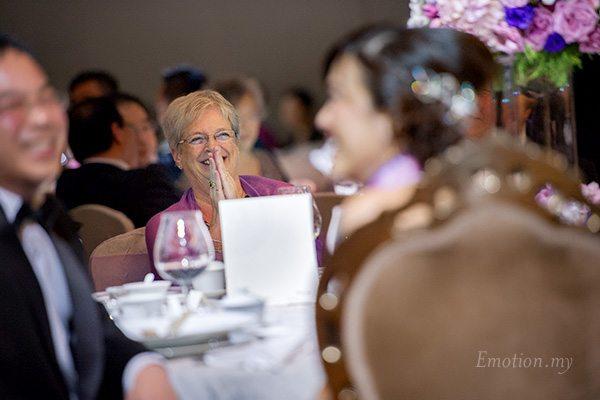 westin-kuala-lumpur-wedding-reception-laughter