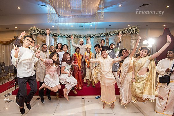 ceylonese-wedding-group-jump