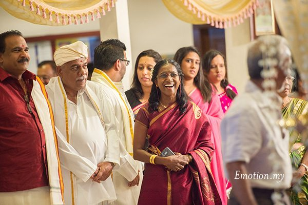 ceylonese-wedding-parents