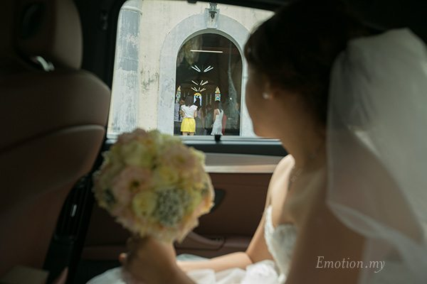church-wedding-st-peter-melaka-bride-arrival
