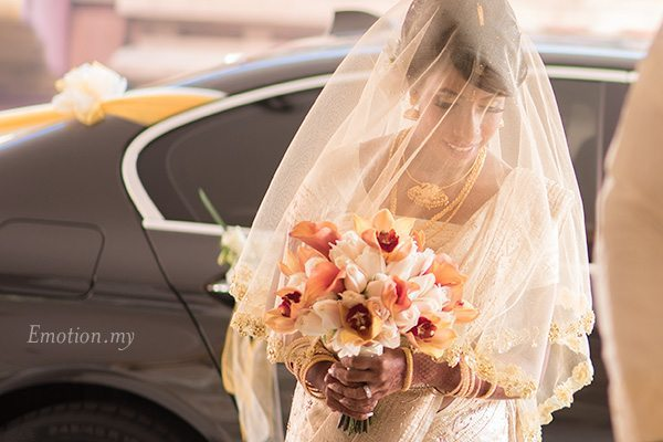 ceylonese-wedding-ceremony-bride-arrival