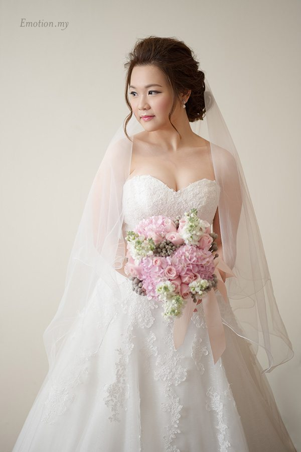 rom-bridal-portrait-cyberview-lodge-kelvin-yee-leng