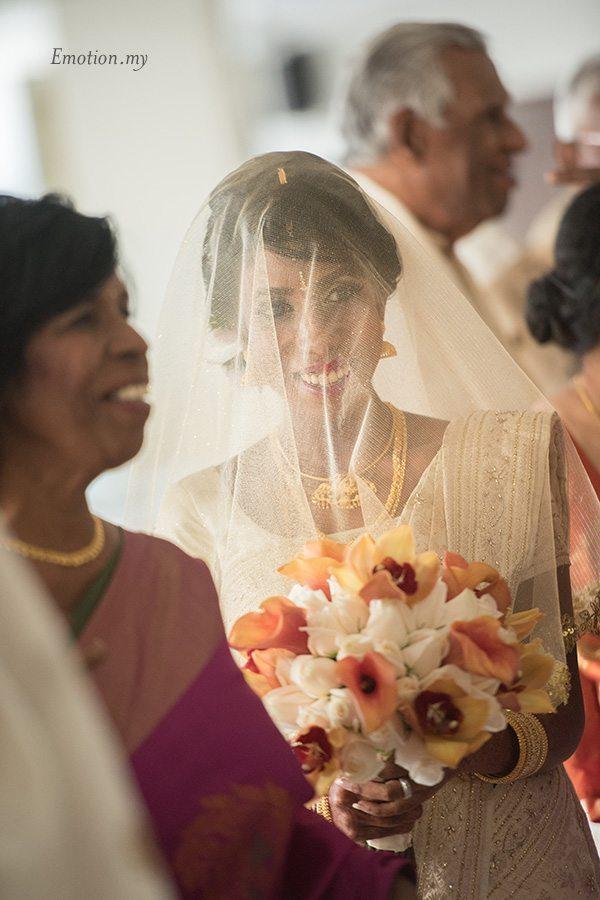 hindu-wedding-ceremony-bride-procession