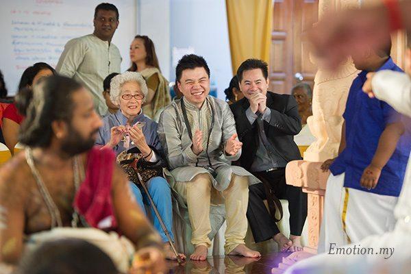 hindu-wedding-sri-sakthi-easwary-kuala-lumpur-friends-congratulation-vimal-vimala