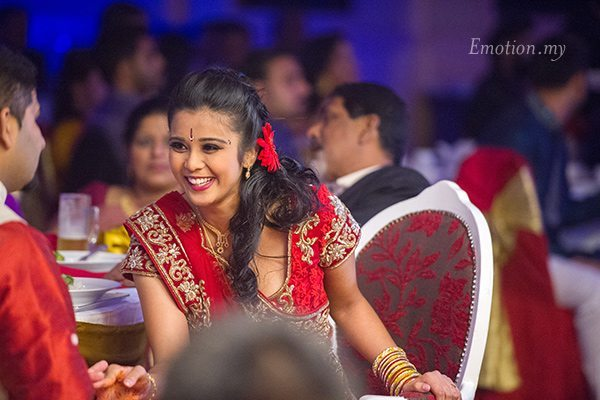 wedding-reception-photography-kuala-lumpur-bride-emotion-vimal-vimala