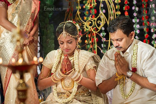 tamil-hindu-wedding-ceremony-pray-sutha-malar