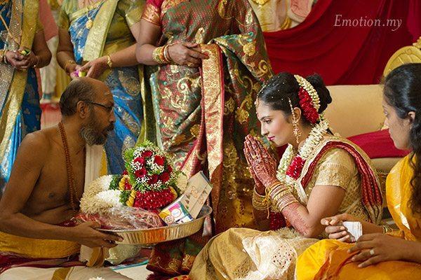 telugu-indian-wedding-bride-ceremony-malaysia-srinivas-priya