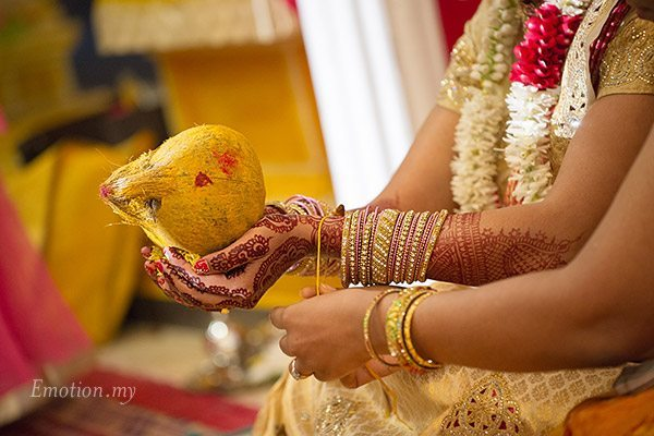 telugu-indian-wedding-bride-string-ceremony-srinivas-priya