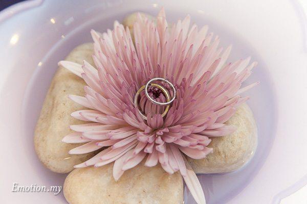 church-wedding-kuala-lumpur-rings-teamtwo-raymond-darshini