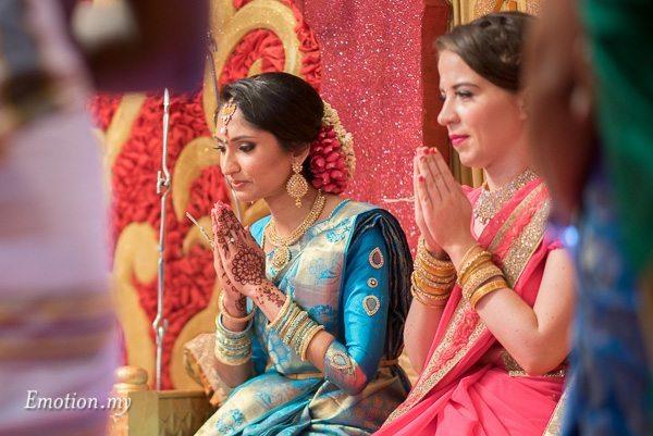 tamil-hindu-wedding-bride-prayer-malaysia-dave-jeeno