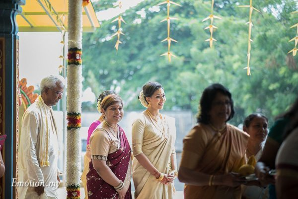 malayalee-bride-arrival-mahend-preena-emotion-in-pictures-andy-lim