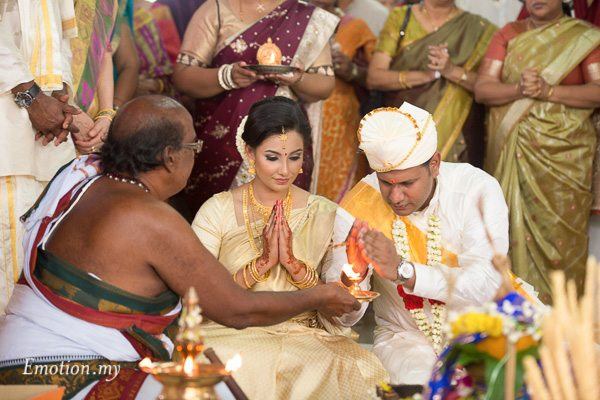 malayali-wedding-malaysia-mahend-preena-emotion-in-pictures