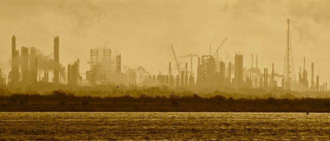 Rafinérie společnosti ExxonMobil v Baytown, USA (foto Roy Luck)