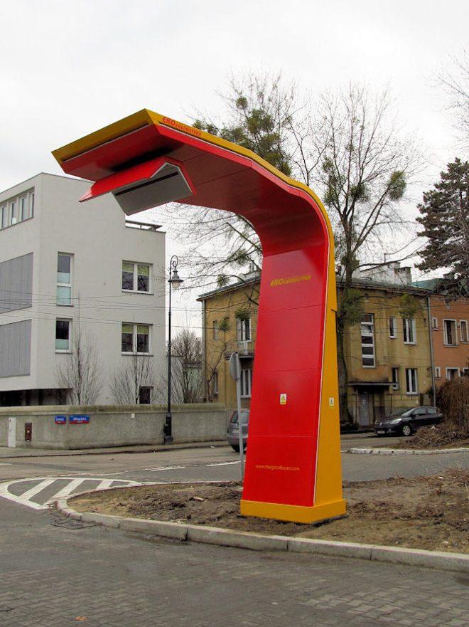 Nabíječka pro elektrobusy v polské Varšavě