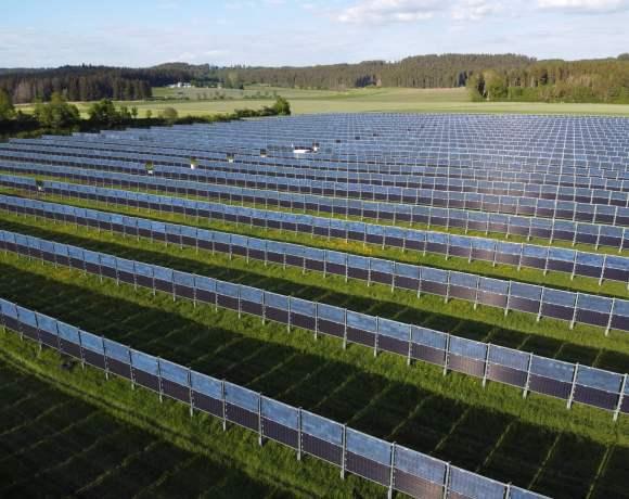 Agrofotovoltaická elektrána společnosti Next2sun (foto Next2Sun)