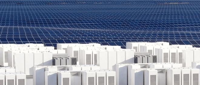 Skladování elektřiny by měl být gigantický byznys i technický problém (foto Tesla)