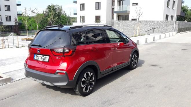 Po technické stránce sejeden znejefektivnějších automobilů na trhu. (foto Vladimír Löbl)