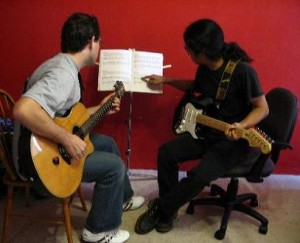 Learn Guitar Songs to Help You Learn to Play Guitar