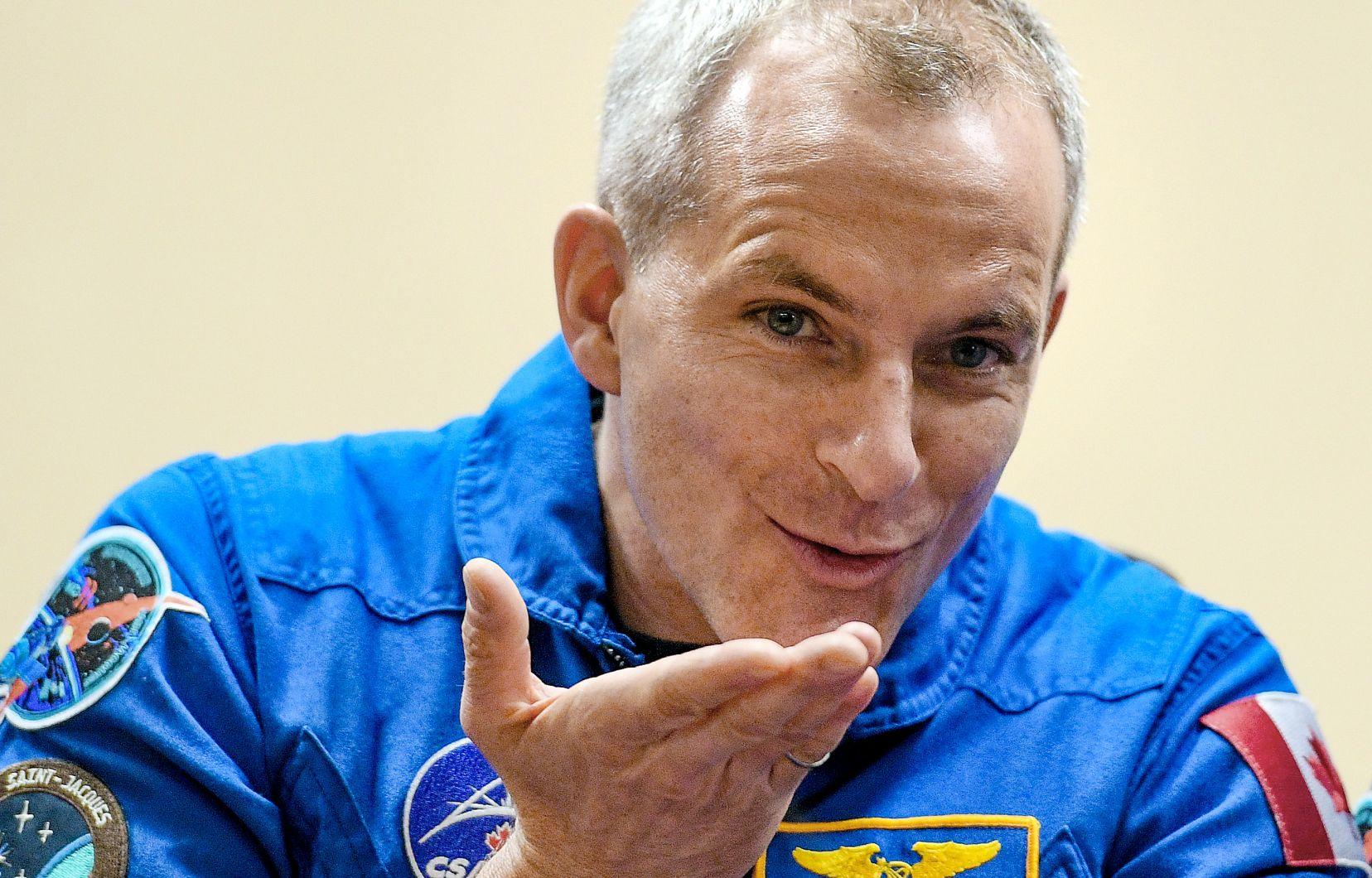 confinement et astronaute David St-Jacques