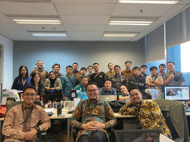Kunjungan Perwakilan Tim Drafter ke Office Jakarta diakhiri dengan Foto Bersama