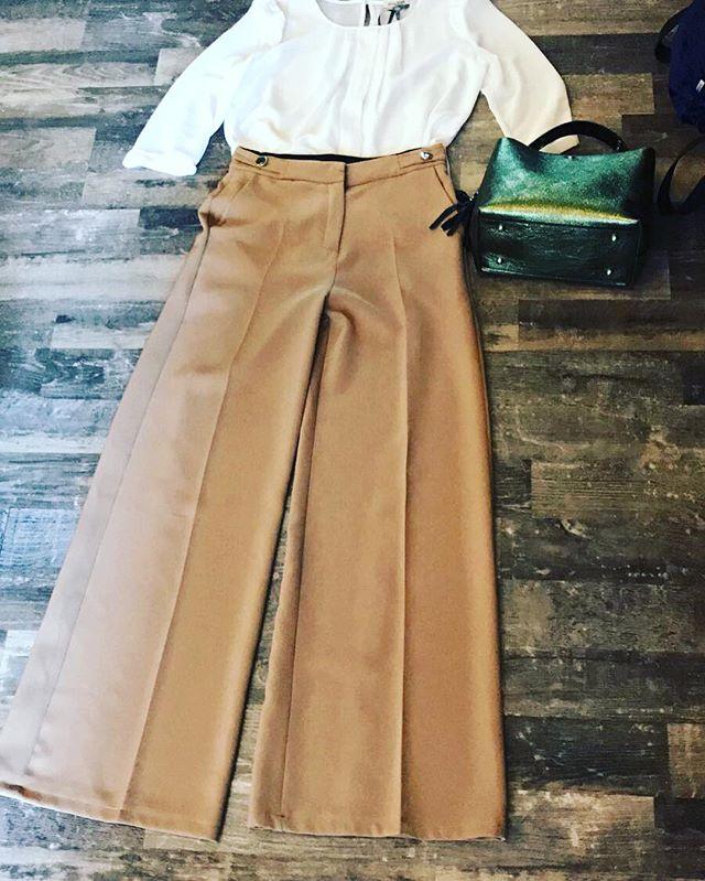 Un amore smisurato per i pantaloni a palazzo...e rigorosamente a vita alta️Outfit del giorno️ Total look @missmissofficial #newbrand #outfit #girls #shopping #drinkdresslive #emporiobrand #newcollection #retro