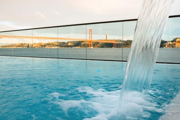 SUD Pool Lounge