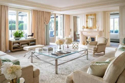 Luxury Hotel Four Seasons Hotel George V Paris