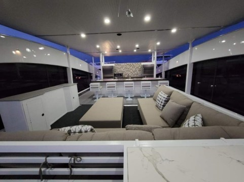 Bravada Atlas V-Series Yacht-The New Generation of Lake Cruisers