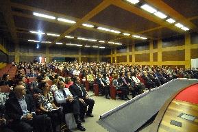 El auditorio estaba repleto para escuchar el plenario