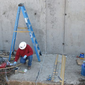 From footing to floor to wall, Submerseal ensures continuity of seal in wastewater treatment tanks.